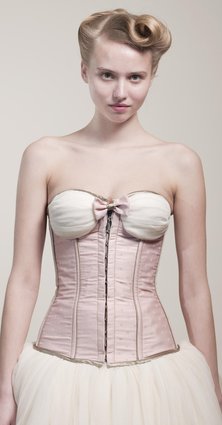 THEIA loves corset-making :)