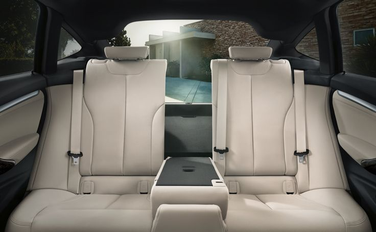 The Gran Turismo rear seat bench with a through-loading system