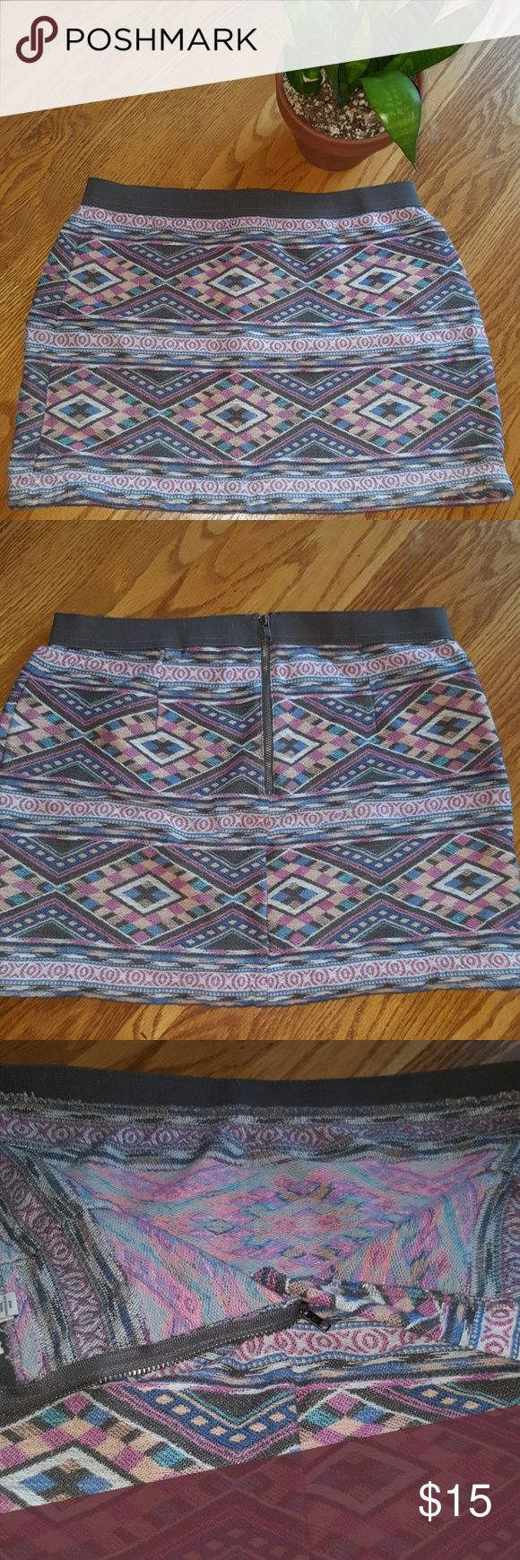 """TRIBAL PRINT SKIRT Tribal print skirt ~ Zipper & inside clasp on backside ~ Wide elastic around waist ~ 12.5"""" long ~  NO STAINS OR RIPS SMOKE FREE CLEAN HOME American Eagle Outfitters Skirts Mini"""