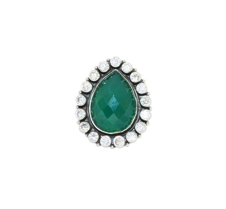 Buy silver rings online gives a brilliant allure of beauty for precious moments with vividness in style which provides a unique style. http://www.rajsi.in/products/rings.html