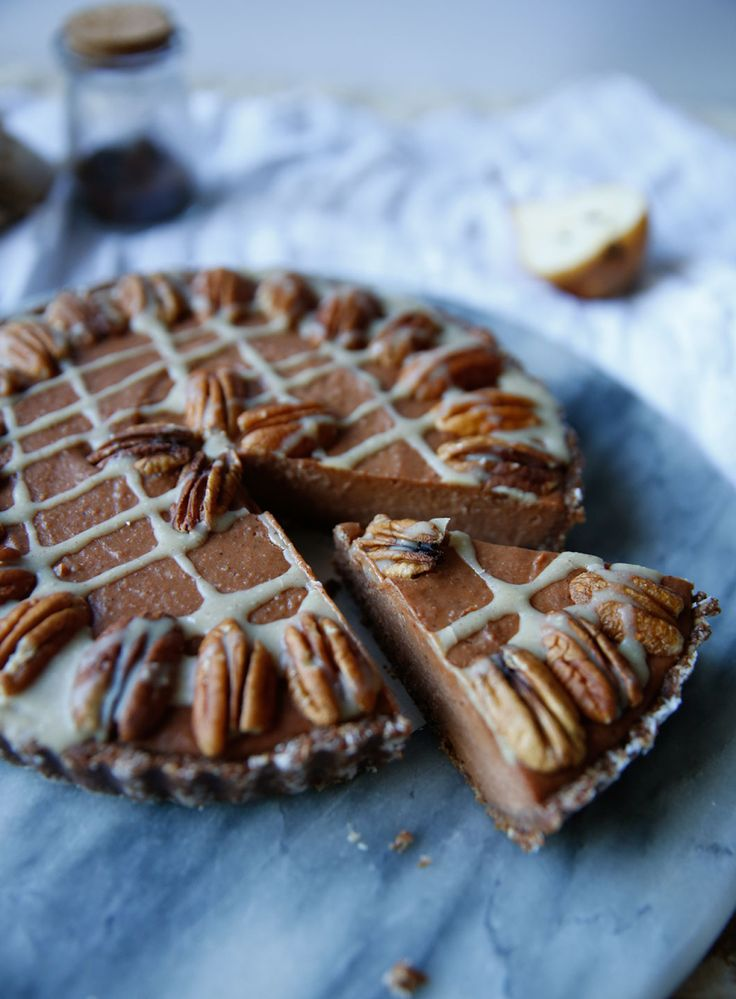 sweet potato pecan pie // vegan, gluten-free, refined sugar-free