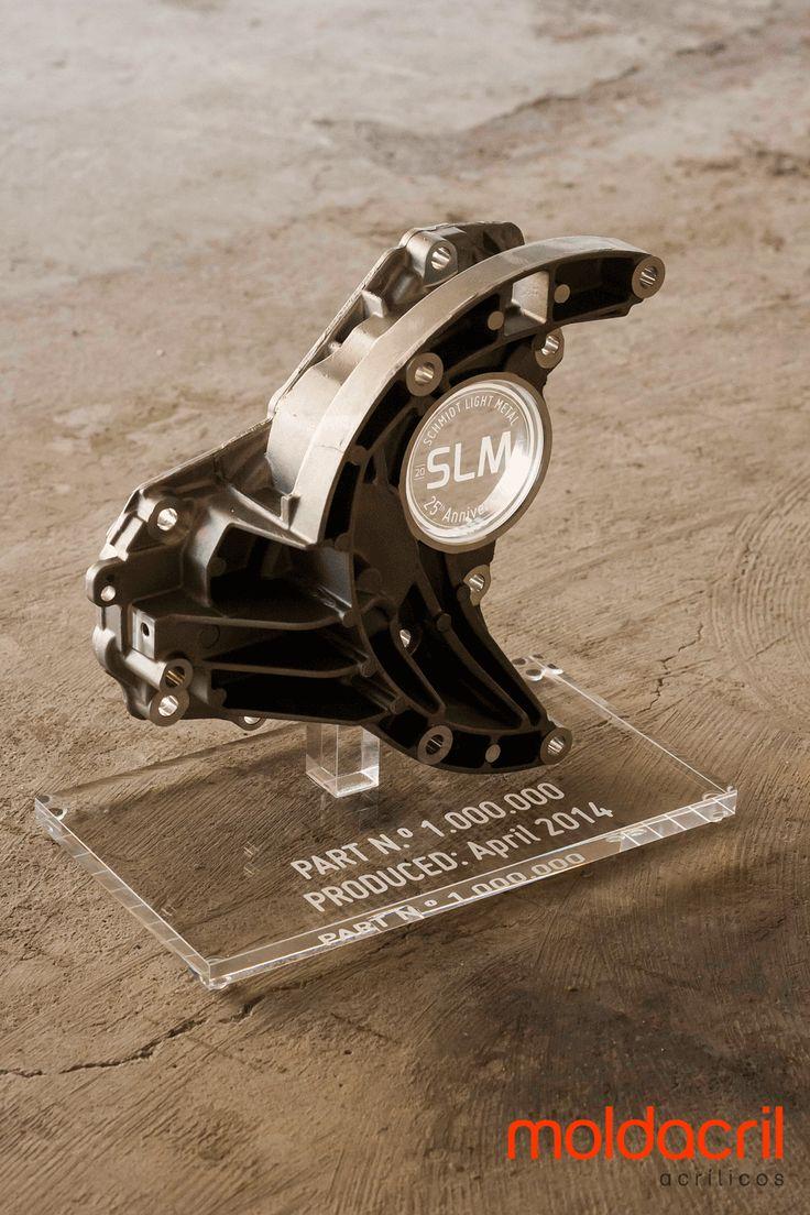 Troféu em acrílico / Acrylic trophy
