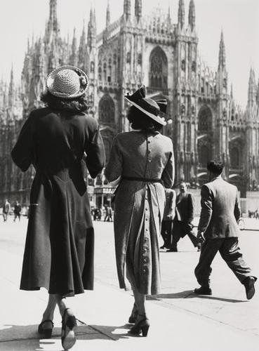 Giancolombo (1921-2005) Milano 1947. Prime foto di moda    #TuscanyAgriturismoGiratola