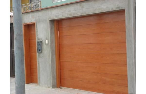 Instalamos y reparamos todo tipo de puertas(seccionales,batientes,enrollables...), persianas y automatismos.