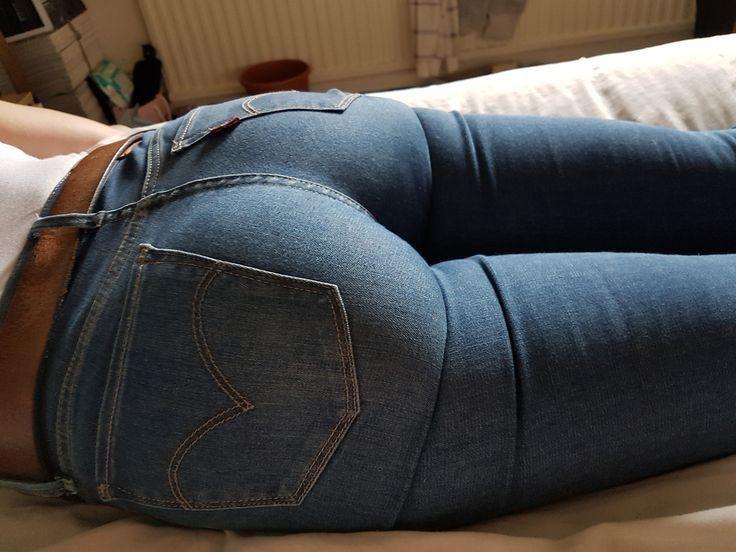 Смотреть порно в мокрых джинсах подолгу