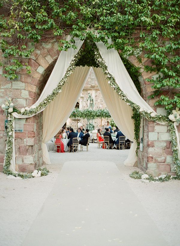 outdoor wedding receptions - photo by Greg Finck http://ruffledblog.com/must-see-sophisticated-chateau-wedding-in-cannes