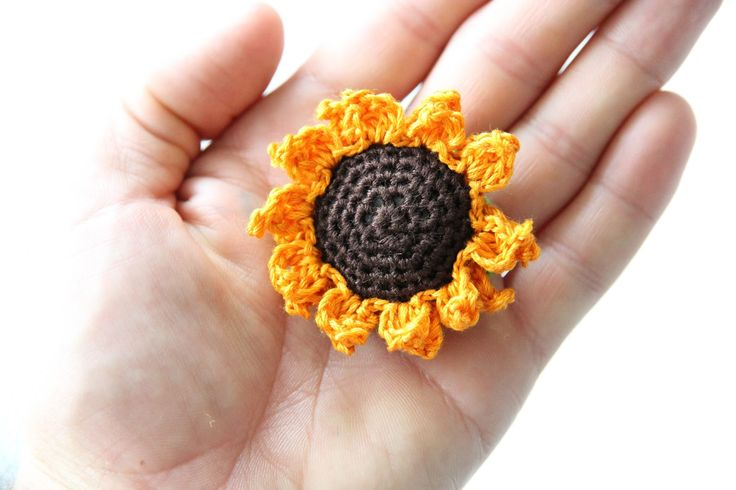 These cute little sunflowers are not only a joy to whip up, but would look marvellous as embellishments to your craft projects, clothi...