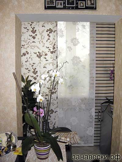 Панельные шторы на кухне