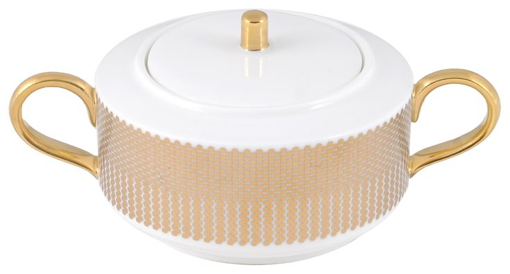 Sweet Sugarpot taken from the 'Benday Gold' range, hand finished and burnished with a 22kt Gold knob. Hand made in Stoke-on-Trent, England. A collection that is inspired by Benjamin Day: 'our homage to the dot'. Handwash Only, Fine Bone China. Find out more here: https://thenewenglish.co.uk/collections/benday-gold  #TheNewEnglish #Benday #Gold