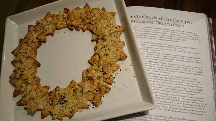 """""""Ho iniziato a provare le ricette: questi cracker sono buonissimi!"""" (messaggio di Federica, cracker di pagina 61... in attesa di Monsieur Camembert!) #finalmentenatale #natale"""
