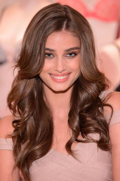 How to get Taylor Hill's balanced makeup look perfect for any daytime event here.
