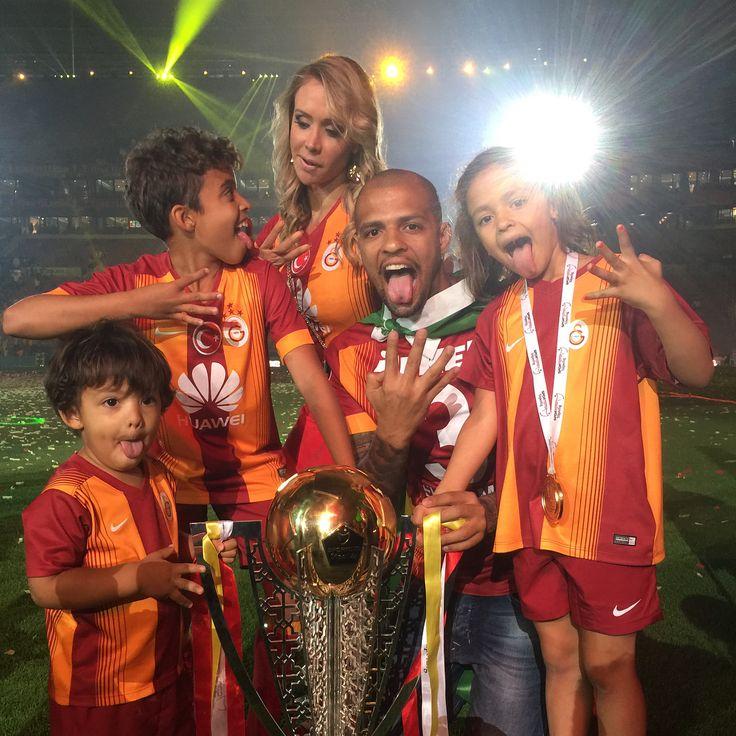 Yüreği hala GalatasaraY**** için çarpan büyük dost Felipe Melo ve ailesi..♥️