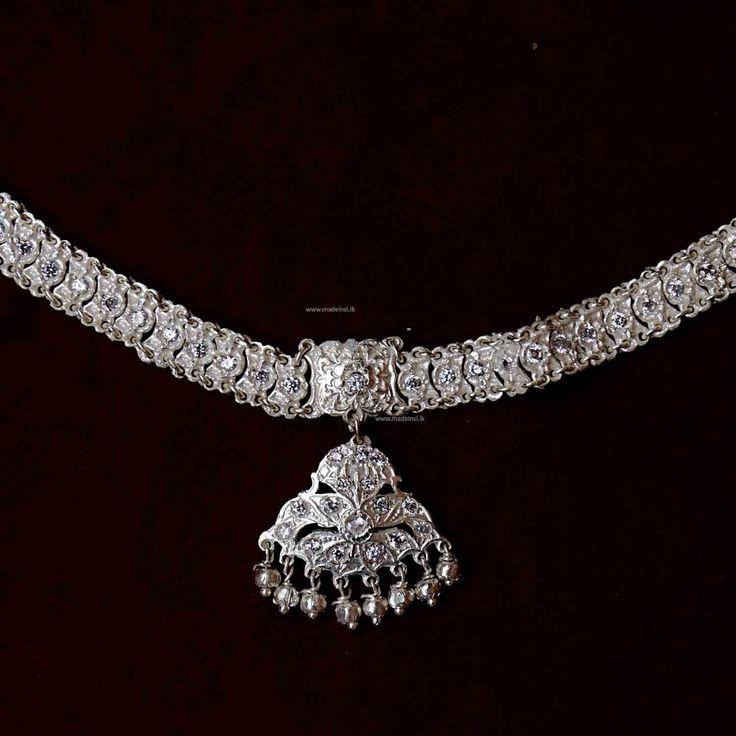 Jewellery 10- Traditional kandyan Jewellery - Nalalpatiya