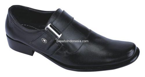 Sepatu pria CDE 004 adalah sepatu pria yang nyaman dan elegan....