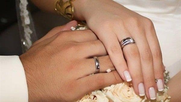 تفسير حلم عقد القران كتب الكتاب في المنام هو عقد لزواج بين شخصين وهو يقام بين المسلمين من خلال إتمام وثيقة رسمية بمرا Vintage Beauty Engagement Wedding Rings
