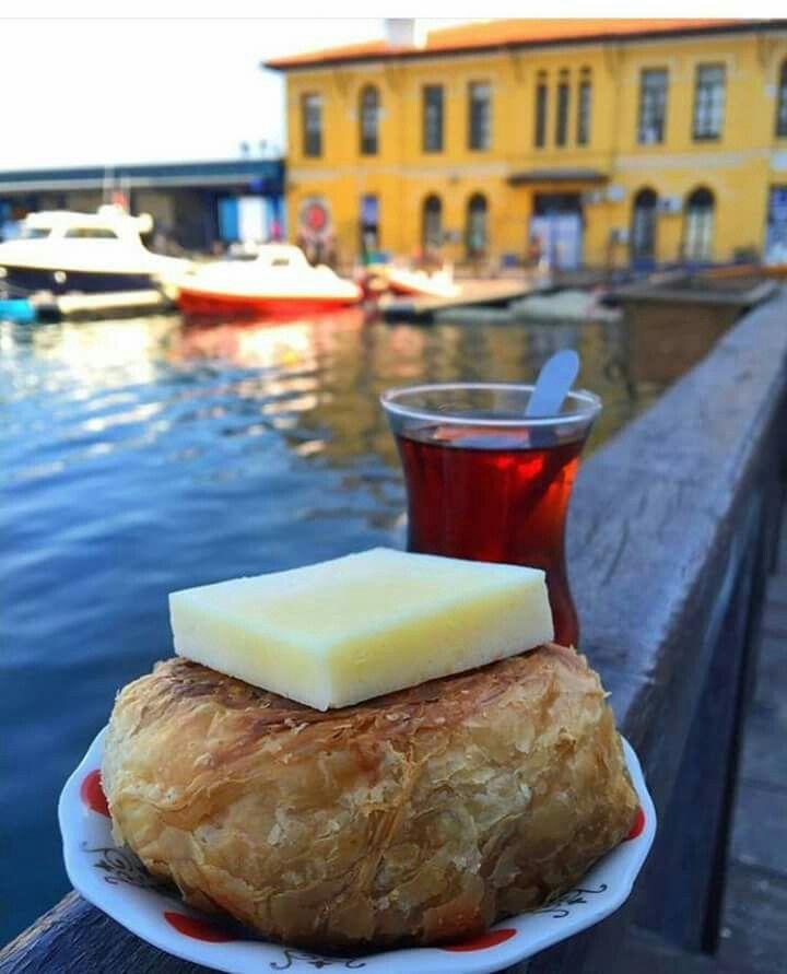 Boyoz, cay ve İzmir tulum peyniri