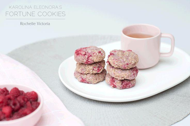 Fortune Vanilla Raspberry Cookies (recipe by Karolina Eleonóra via loving earth)