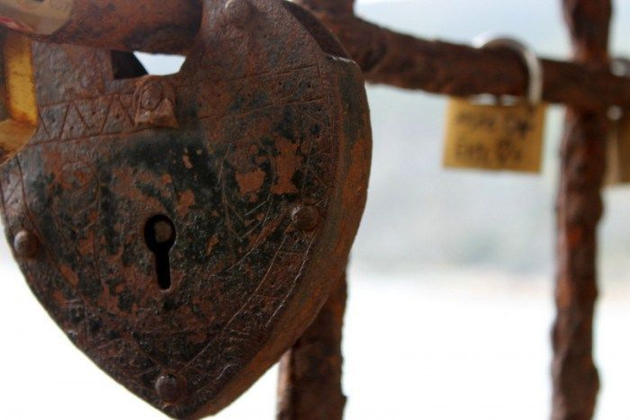 Love locks find their way all over the world. This one is on the trail from Vernazza to Monterosso.(Photo: D Travels Round)