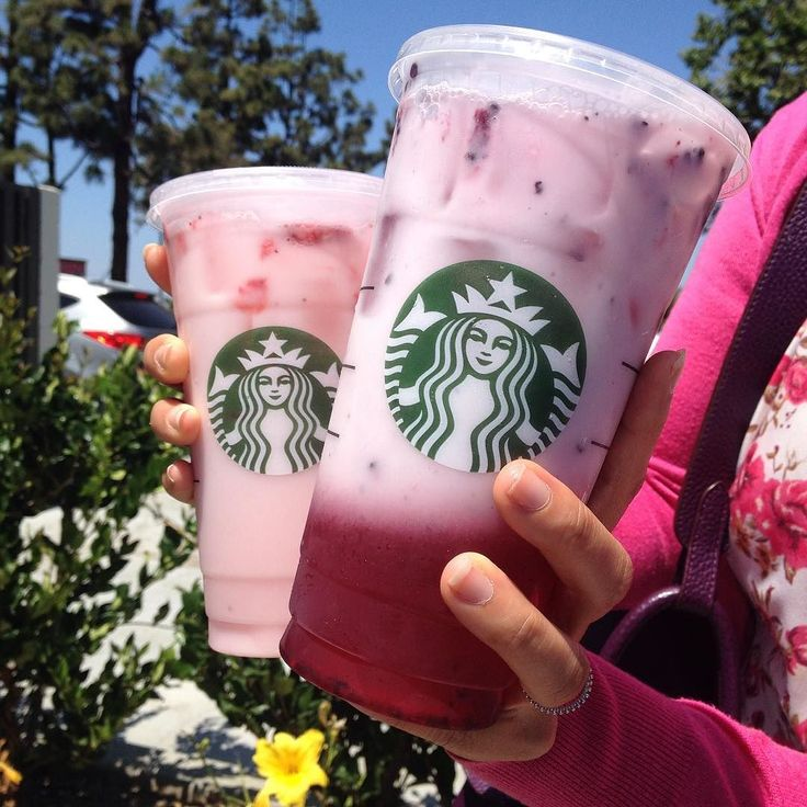 Strawberry acai refresher with coconut milk. Thanks @dailyfoodfeed for the rec! #starbucks #secretmenu #refresher #strawberryacairefresher #strawberries #blackberries #tasteslikeyakult #discovercalifornia #LauraPulHandModel #pinkdrink by lilyt3a