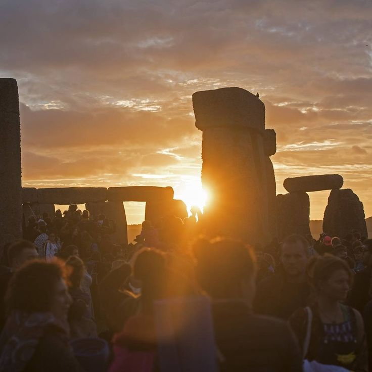 Today is the winter solstice - the official first day of winter and the shortest day of the year, lasting just 7 hours, 49 minutes and 41 seconds in Britain. The winter solstice happens every year when the Sun reaches its most southerly declination of -23.5 degrees. In other words, when the North Pole is tilted farthest – 23.5 degrees – away from the Sun, delivering the fewest hours of sunlight of the year.  Picture: Paul Grover for the Telegraph #wintersolstice #winter #stonehenge #sunrise…