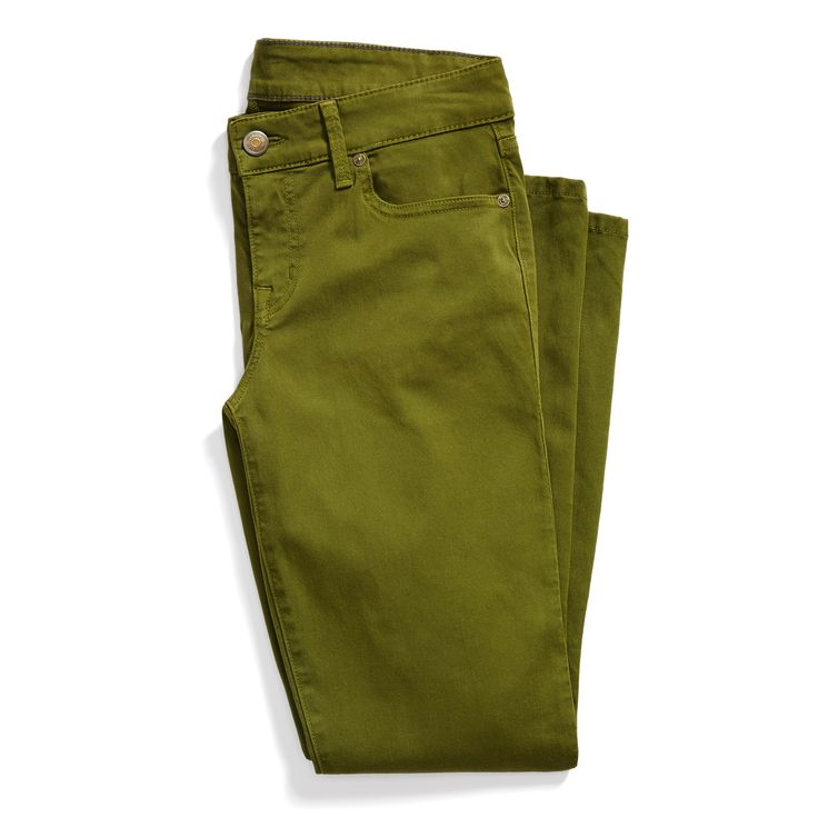 I would love some olive bottoms (capris/jeans or even a skirt) as an alternative to denim. Stitch Fix May Styles: Olive Green Denim