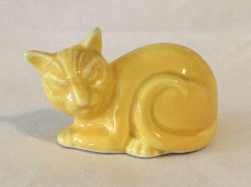 Vintage Homer Laughlin Harlequin Cat Figurine