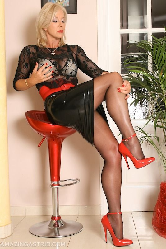 femdom Red shoes