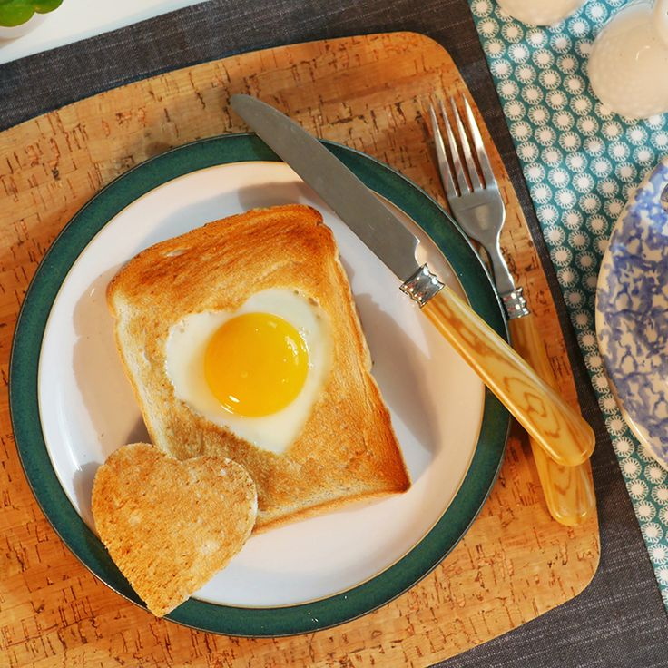 Breville® How To Make Heart Shaped Egg in #Toast