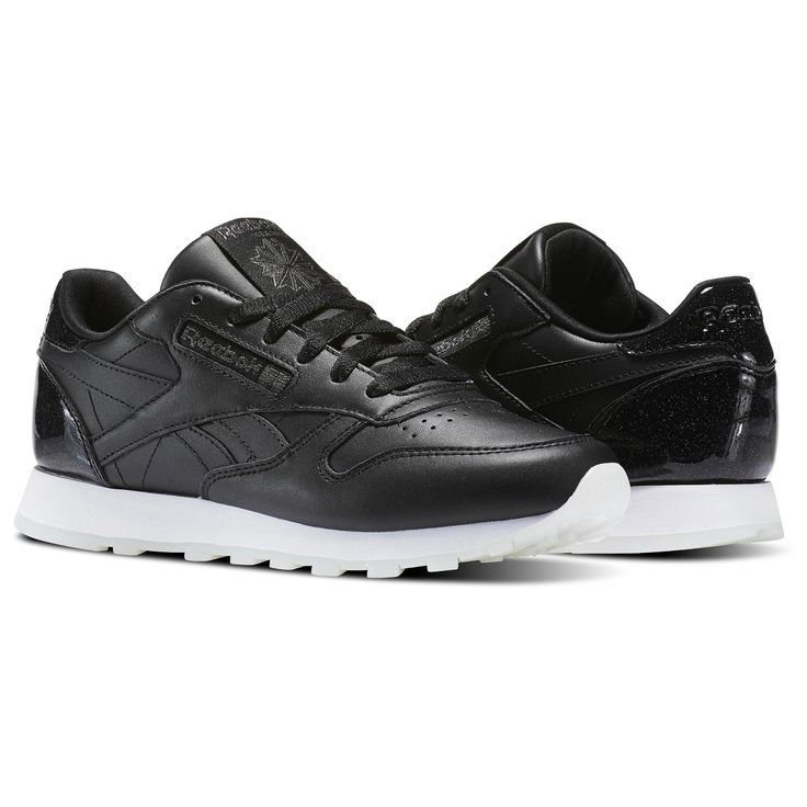 Work classic and modern fashion in these Classic Leather shoes. The silhouette nails the tried-and-true women's athleisure look while metallic colorways boost heritage visual appeal. Combine that with a cushioned EVA midsole and a dependable rubber outsole for a shoe that will take you around town in comfort and class.