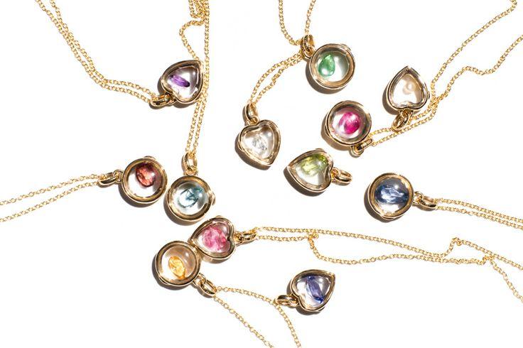 Les colliers pendentifs porte-bonheur de LoquetLondon http://www.vogue.fr/joaillerie/le-bijou-du-jour/diaporama/les-colliers-pendentifs-porte-bonheur-de-loquetlondon-laura-bailey-white-bird/19169#!3