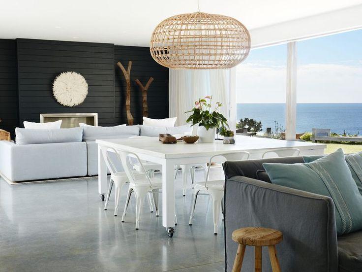 AVALON LIGHTHOUSE, a Avalon Beach House | Stayz