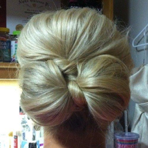Hair bow..: Hairbows, Cute Bows, Bridesmaid Hair, Bows Buns, Low Bows, Long Hair, Hair Style, Hair Bows, Bows Hair