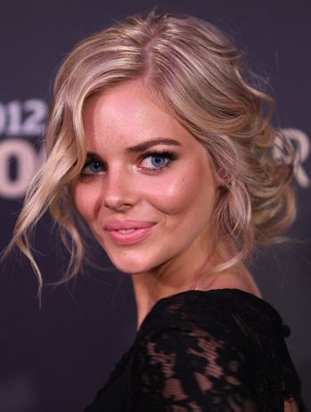 One to Watch: Samara Weaving  http://primped.ninemsn.com.au/galleries/hair-galleries/one-to-watch-samara-weaving?image=3#