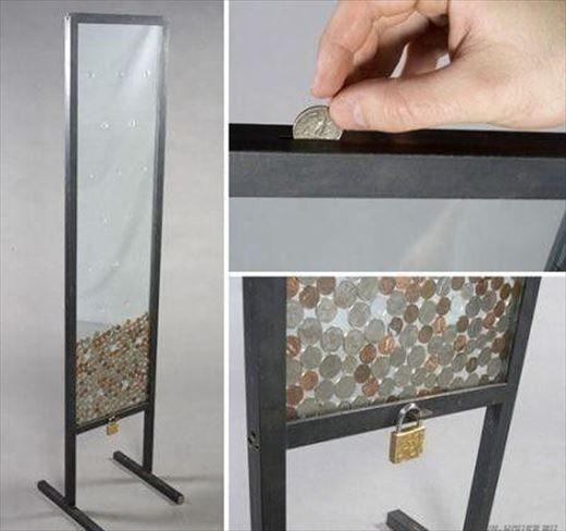 貯まっていくのがわかるから楽しい。ガラス製の貯金箱