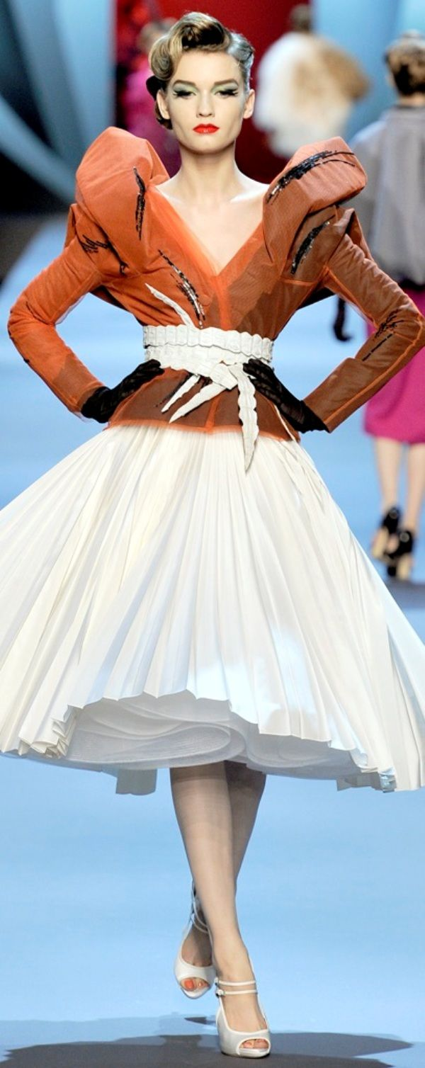 Christian Dior spring couture 2011                                                                                                                                                                                 More