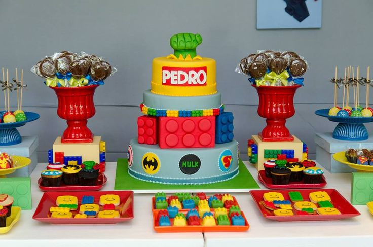 Doce Eve Ateliê   Festas Exclusivas : Festa Lego Marvel Super Heroes para o Pedro!