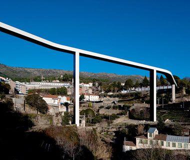 Pedestrian Bridge in Covilhã, Portugal architect João Luis Carrilho da Graça's
