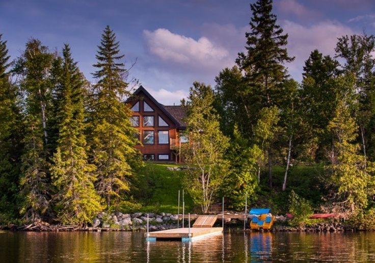 Bienvenue aux Chalets lac Kanasuta!  Havre de paix et de plaisance, le site des Chalets lac Kanasuta est tout rêvé pour un séjour à deux, en famille ou entre amis.  Niché aux abords d'un des plus beaux lacs du Québec, le site fournit un accès privilégié au lac Kanasuta et à une vaste gamme d'activités de plein air : spa, sauna, baignade, pêche, canot, kayak, feu de camp, raquette, ski de fond, pêche blanche, glissade…  Accessible en voiture, en bateau ou en motoneige, le site n'est qu'à…