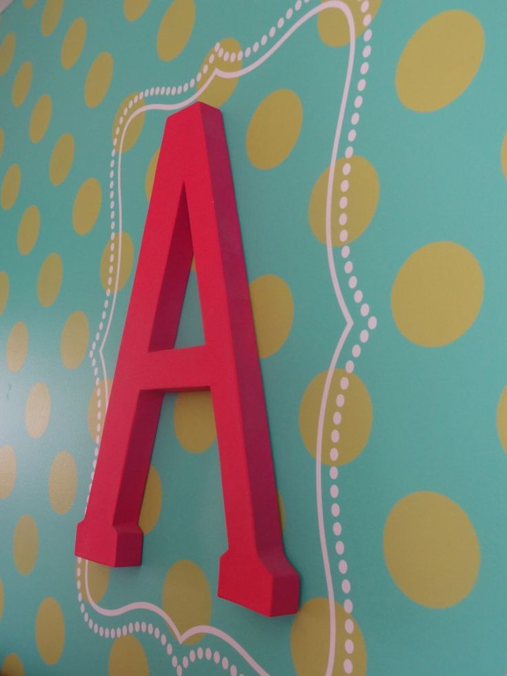 Monogram and Polka Dot Stenciled Wall - so fab! #biggirlroomDots Stencils, Diy Tutorials, Polka Dots Wall, Diy Monograms, Big Wall Stencil, Polka Dot Walls, Polka Dots Nurseries Wall, Art Crafts Diy, Nurseries Polka Dots