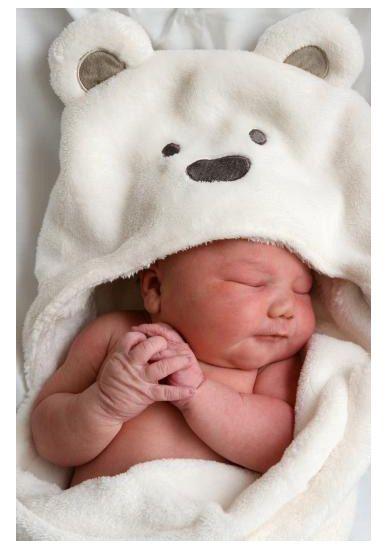 Baño Turco Para Ninos:Newborn Baby Sleeping in Blanket
