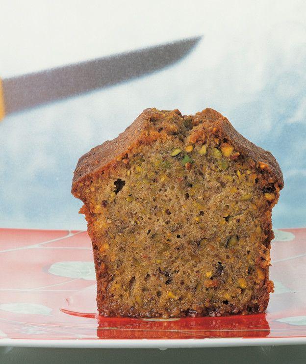 Κέικ με φιστίκια Αιγίνης και ελαιόλαδο