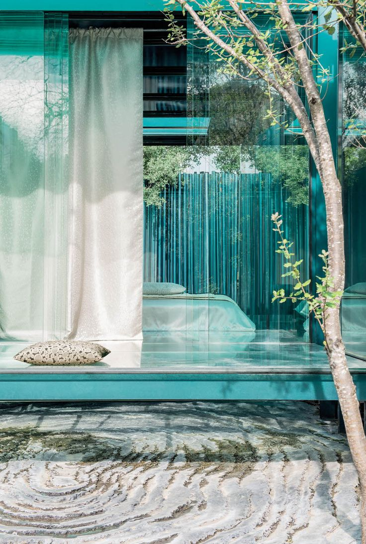 We found our moment of zen at Les Cols Pavellons close to Girona. A place of retreat in nature that takes you away from reality, the perfect spot for our Vivabella collection photoshoot.