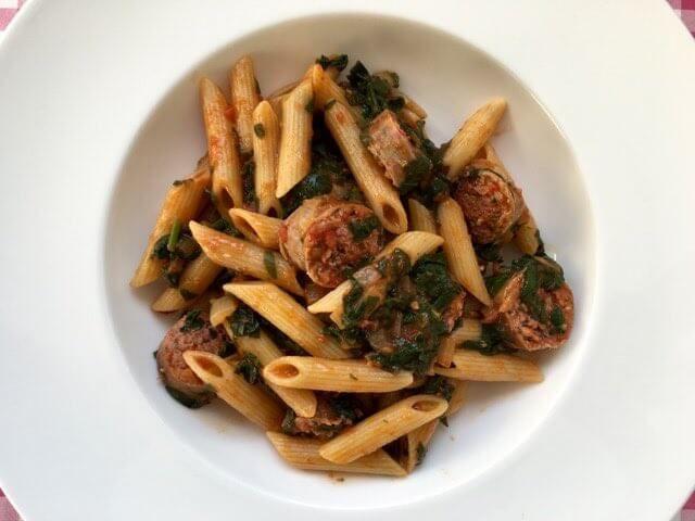 Pasta met spinazie en worst - pasta recept — Alles Over Italiaans Eten