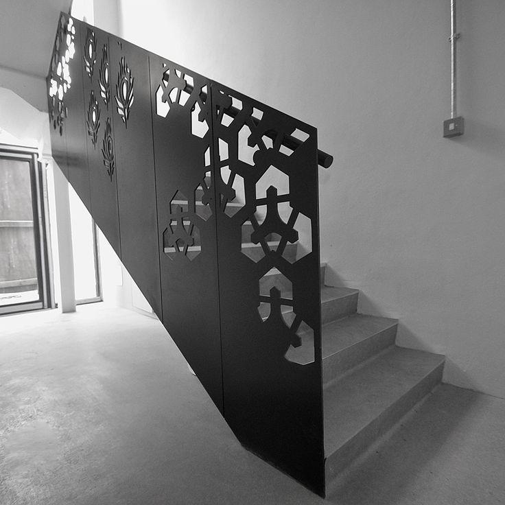 Дизайн лестниц, фото. Лестницы для коттеджа по индивидуальному заказу.
