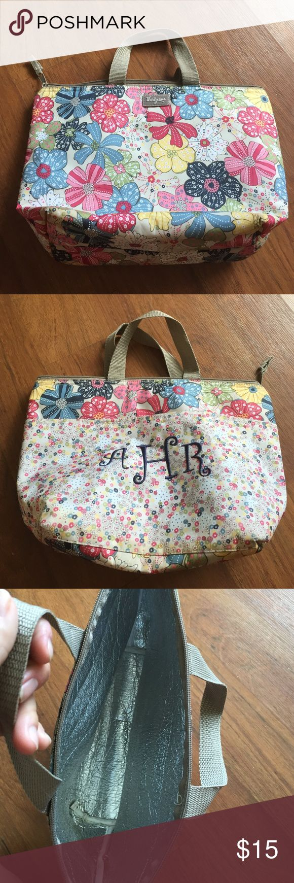 Thirty one small thermal lunch bag This is a floral thirty one lunch bag in excellent condition. It just has the initials AHR on it which can be taken out. Thirty one Bags Totes