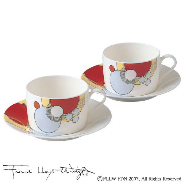 この食器シリーズは、歴史的な建物である『帝国ホテル ライト館』(1923~1967)を設計した世界的な建築家フランク・ロイド・ライトがデザインし、当時館内で使用していたテーブルウェアを米国フランク・ロイド・ライト財団より許可を得て復刻したものです。鮮やかな色彩と幾何学模様が織りなすデザインをそのまま生かし、形状を現代風にアレンジしました。くつろぎの一時をライトが彩る世界でお楽しみください。米国人建築家フランク・ロイド・ライトによる「ライト館」時代の食器デザインを復刻。(C)The Frank Lloyd Wright Foundation 2007、 All Rights Reserved※ライセンス契約の関係上、アメリカへの販売を承ることができません。商品番号P97282/4614シリーズフランク・ロイド・ライトサイズ【カップ】口径:約7.9cm、長径(取っ手含):約10.2cm、高さ:約5.1cm、容量:約170cc 【ソーサー】直径:約13.9cm、高さ:約1.9cm材質ノリタケボーンチャイナ原産国SRI LANKA注文単位2客