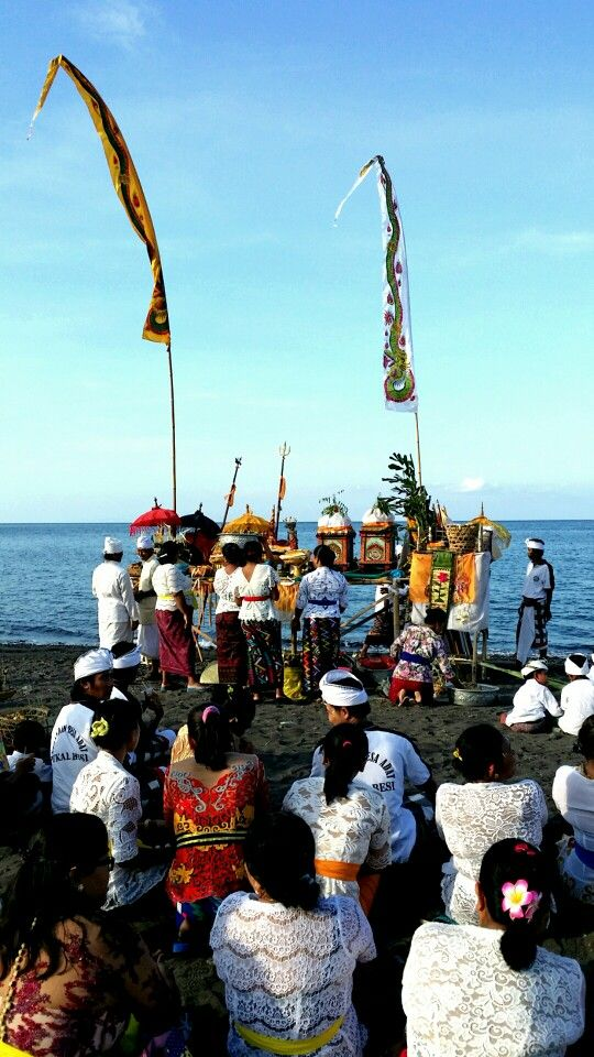 Ceremony on the beach. Wonderfull culture of Bali. Bundaku Homestay