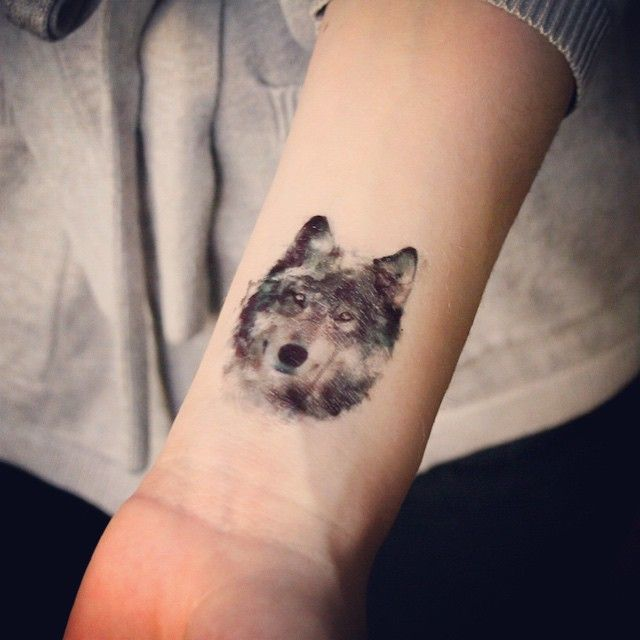25 best ideas about tatouage plume signification on pinterest signification du tatouage plume - Tatouage indien signification ...