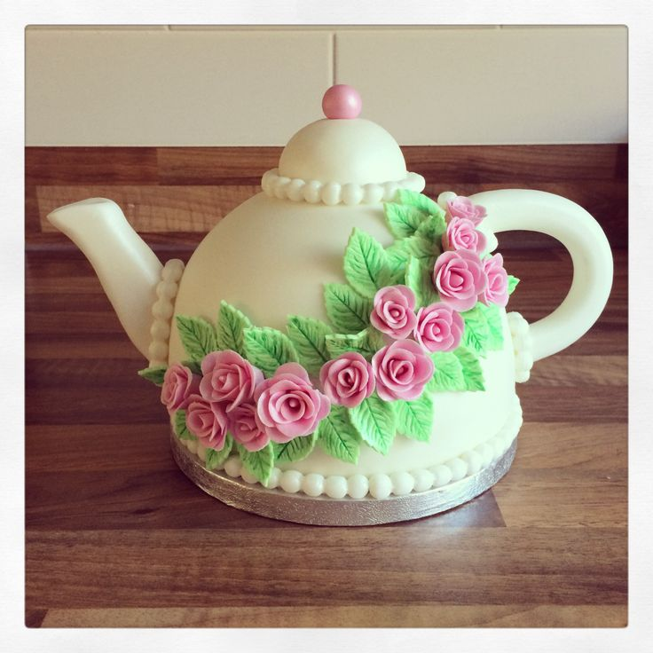 Teapot cake for a Mad Hatter Tea