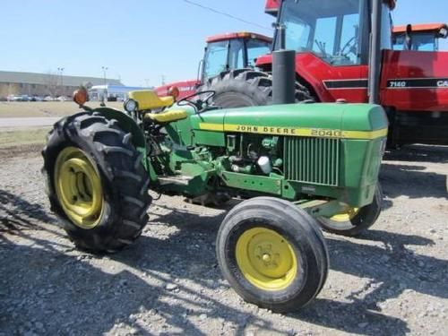 1976 John Deere 2040 Tractor for sale by owner on Heavy Equipment Registry http://www.heavyequipmentregistry.com/heavy-equipment/13738.htm